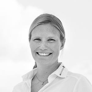 Julia Christiansen, Sparkassenfachwirtin